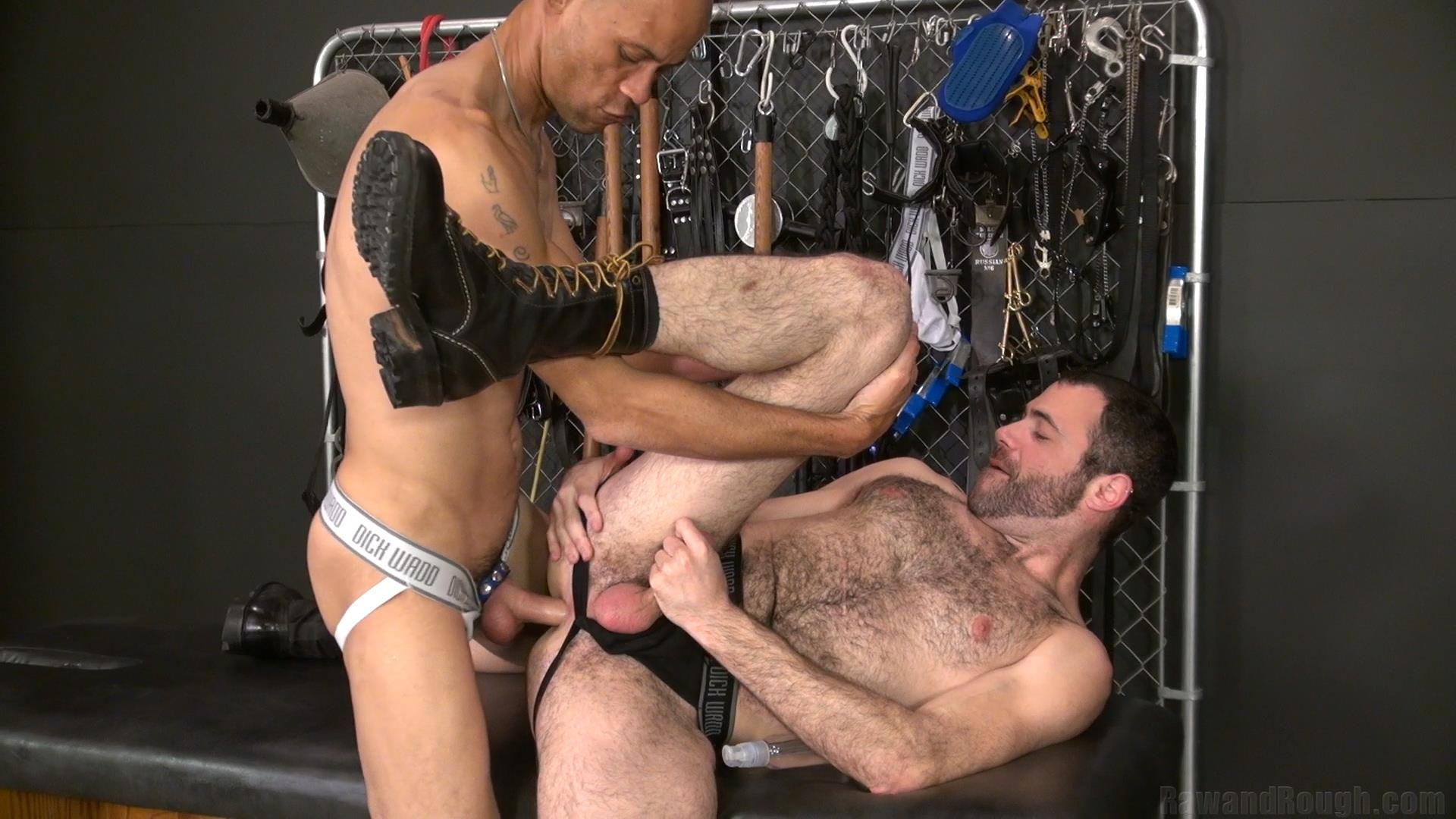 Raw-and-Rough-Dusty-Williams-and-Seth-Patrick-Barebacking-A-Stranger-at-A-Sex-Club-Hairy-Amateur-Gay-Porn-01 Barebacking A Hairy Guy At A Gay Sex Club