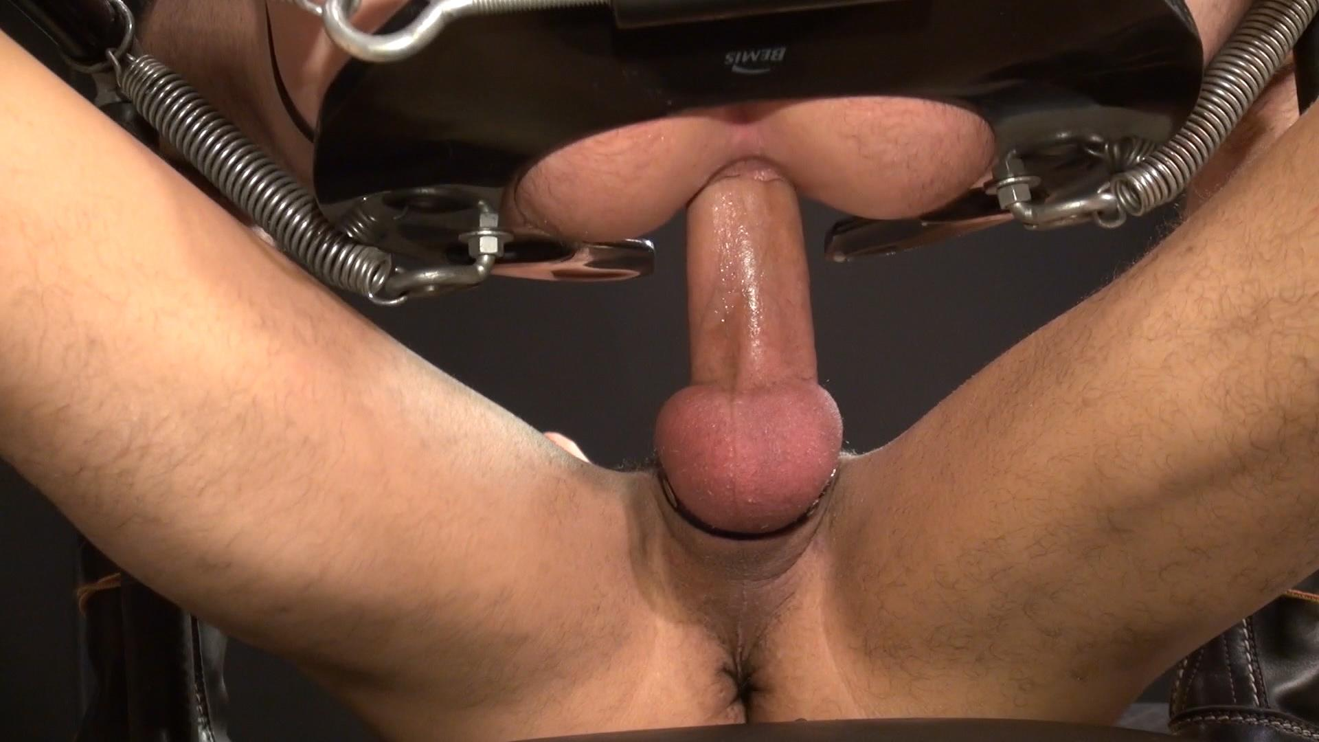 Raw-and-Rough-Dusty-Williams-and-Seth-Patrick-Barebacking-A-Stranger-at-A-Sex-Club-Hairy-Amateur-Gay-Porn-10 Barebacking A Hairy Guy At A Gay Sex Club